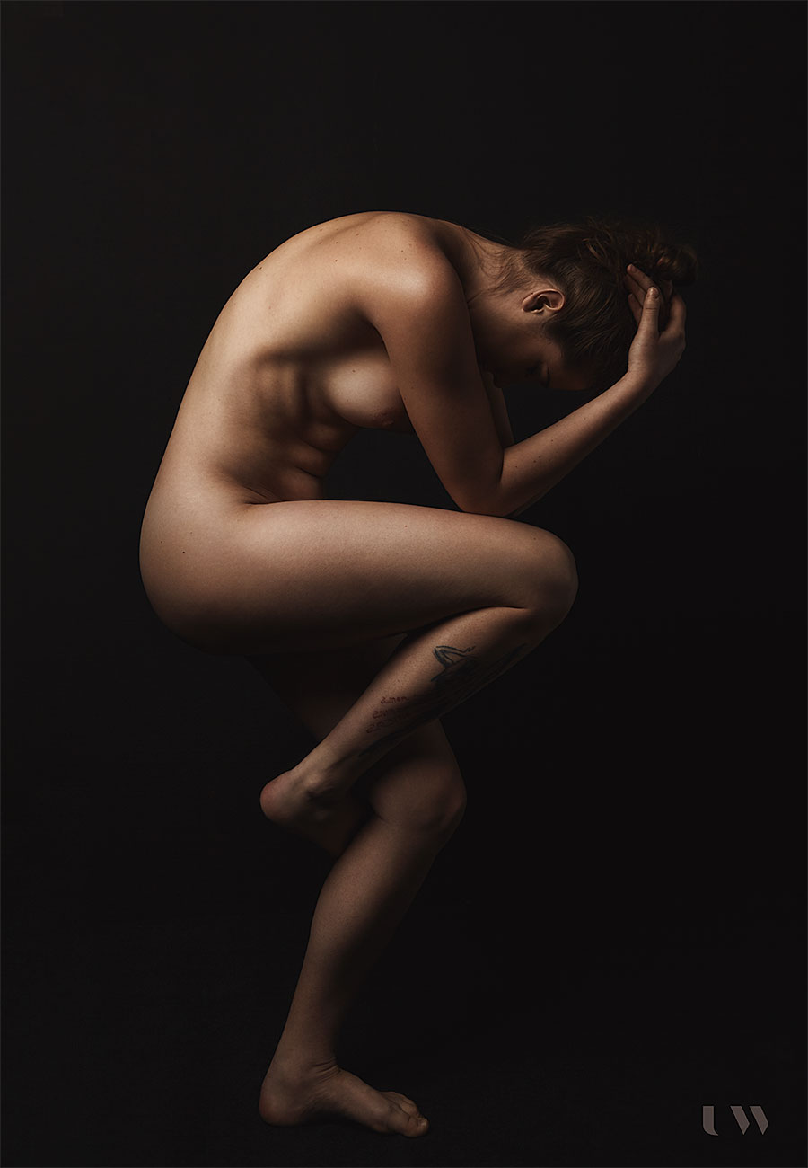 Fine art nude Petra Horvat - Cherry