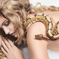 Boudoir and beauty with snakes Anja Kamericki