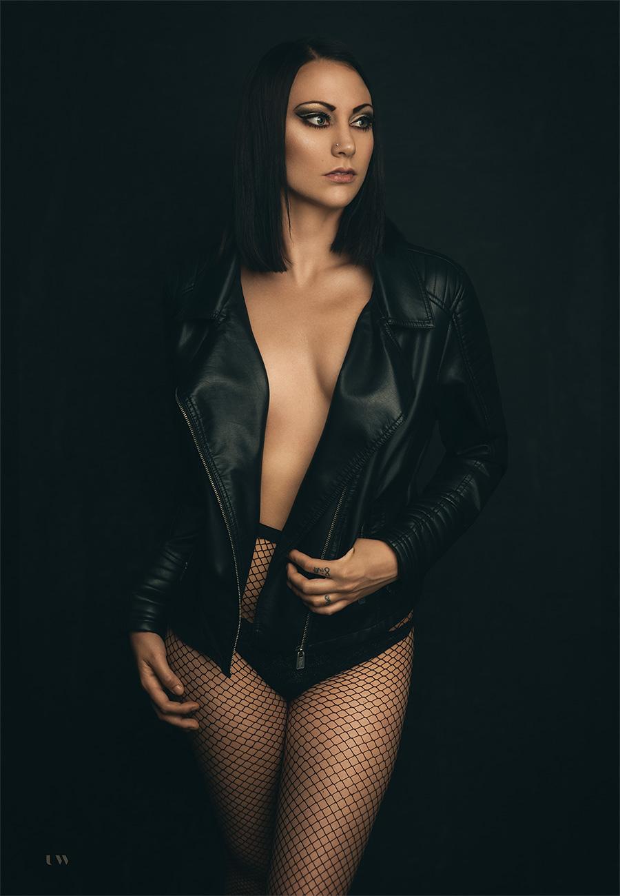 Irenca Erminio Rovanšek, dark boudoir, Ulla Wolk