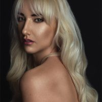 Sara Kastelic, portrait and boudoir-shadows, Ulla Wolk