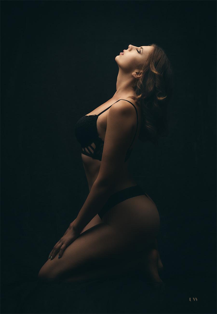 Neža V., dark boudoir, 2019, UllaWolk